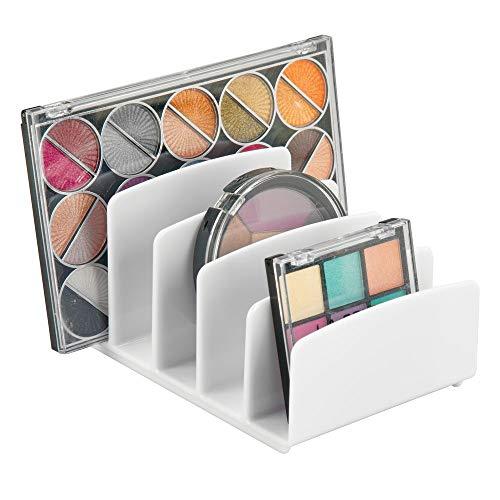 mDesign Kosmetik Organizer – Aufbewahrungsbox mit fünf Fächern für Make-up, Nagellack und Beautyprodukte – die ideale Schminkaufbewahrung – weiß