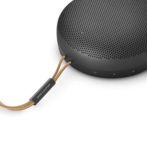 Bang & Olufsen Beosound A1 (2ª generación) - Altavoz Bluetooth portátil Resistente al Agua con micrófono, en Color Black Anthracite