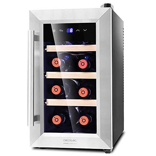 Cecotec Cantinetta Grand Sommelier 800 CoolWood. 8 bottiglie, capacità di 25 l, porta in vetro con telaio in acciaio inox e ripiani in legno, pannello touch e schermo LED