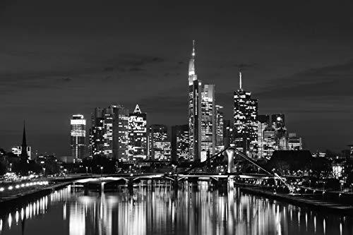 Fototapete selbstklebend Frankfurt am Main bei Nacht - schwarz weiß 225x150 cm - Bildtapete Fotoposter Poster - Wolkenkratzer Skyline
