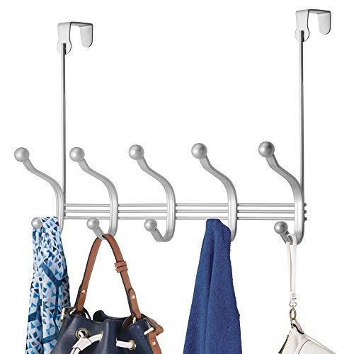 mDesign Perchero de puerta colgante – Colgador para puerta con 10 ganchos – Cuelga ropa de metal para baño y pasillo – Para organizar armarios y guardarropas – plateado