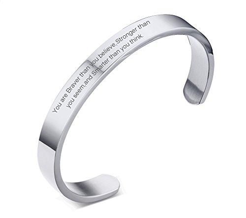 VNOX Frauen Edelstahl Inspirational Zitate Öffnen Manschette Armbänder Armreif Sie sind mutiger als Sie glauben Gravierte