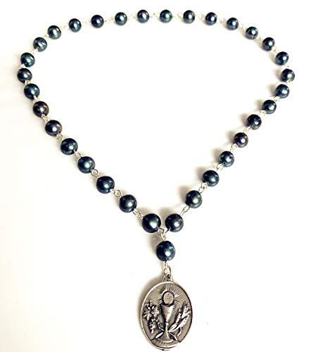 Élégantmedical Médaille de l'euchariste faite à la main en véritable perle noire