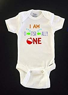 I am O FISH ALLY ONE birthday Gerber Onesies® bodysuit. Size 18 months