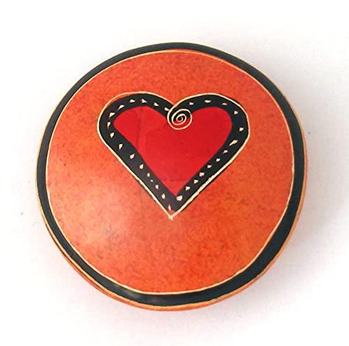 Handflatterend rond rood met hart diameter ca. 4 5 cm