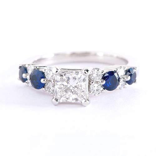 Anillo de compromiso de oro blanco de 18 quilates con diamante de corte princesa graduado SI2 F de 1 quilate