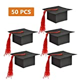 QLOUNI 50pcs Cajas de Graduación Gorro Dulces Chocolates Regalo Confeti Boda Fiesta Ceremonia con Borla Roja (7.5 * 7.5 * 3.5cm)
