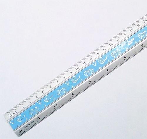 Aluminiumlineal / Lineal 30 cm - Stabile Ausführung, eingeteilt in cm / mm und Zoll / Inch (farblich sortiert)