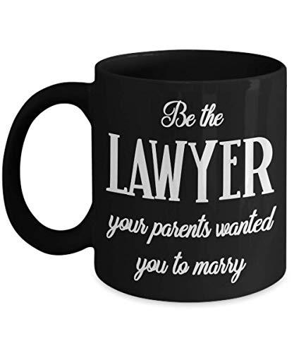 Taza de abogado regalo de graduación para estudiante de derecho regalo de mordaza para futuros abogados regalo para su divertida taza de té negro para mujeres empoderamiento girl power regalos