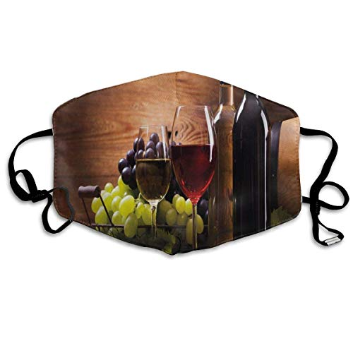 Winddicht masker, glazen rode en witte wijn, geserveerd met druiven Franse gourmet-versiering, gezichtsdecoraties
