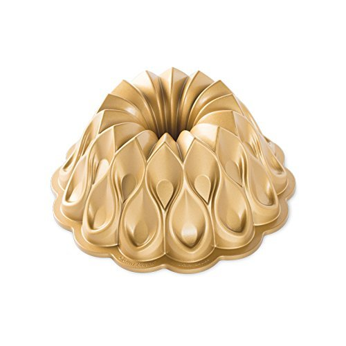 Nordic Ware Crown Bundt Pan