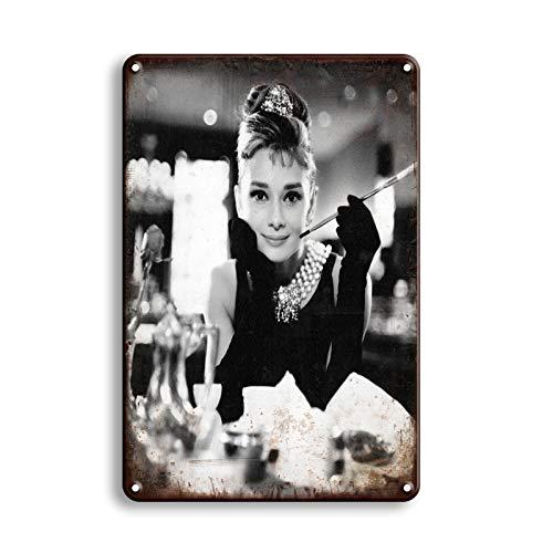Generic Blechschilder_Audrey Hepburn - Breakfast at Tiffany's (Motiv1)_Klassik Retro Blechschilder Vintage Dekoration_Motiv Hollywood,VIP & Ikonen_Blechschilder Sprüche & Zitate Metallschild