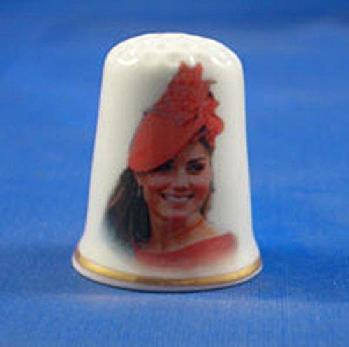 Porzellan China zum Sammeln Fingerhut Catherine Herzogin von Cambridge in Red Hat