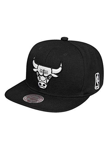 Mitchell & Ness Chicago Bulls All Black and White Logo EU448 Snapback Cap NBA