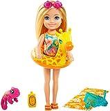 Barbie Chelsea Muñeca rubia con camaleón mascota y accesorios de playa de juguete, para niñas y niños +3 años (Mattel GRT81)