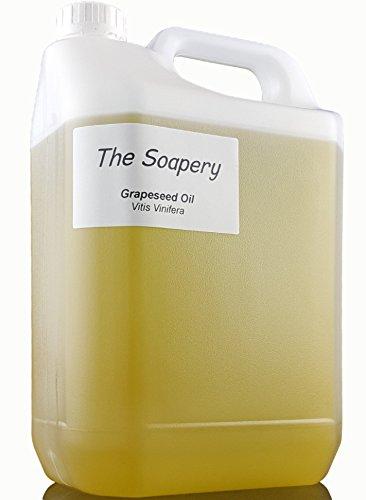 Olio vinaccioli, proprietà cosmetiche e come usarlo