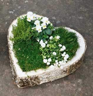 Grabschmuck große Pflanzschale Herz aus Naturmaterialien Grabdekoration Pflanzherz Grabherz zum bepflanzen Trauerschmuck Trauerdeko