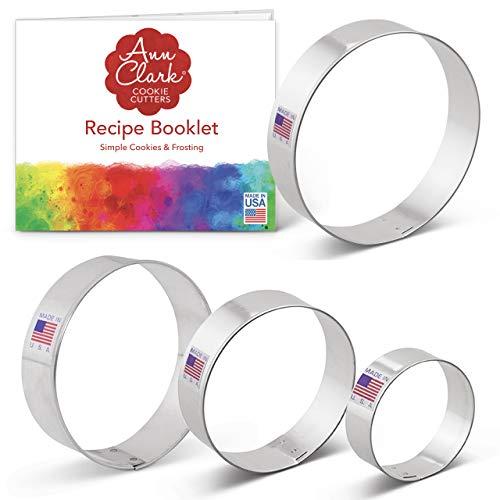 Ann Clark Cookie Cutters Juego de 4 cortadores de galletas círculo con libro de recetas - 6,5cm, 7,6cm, 8,9cm y 10,2cm