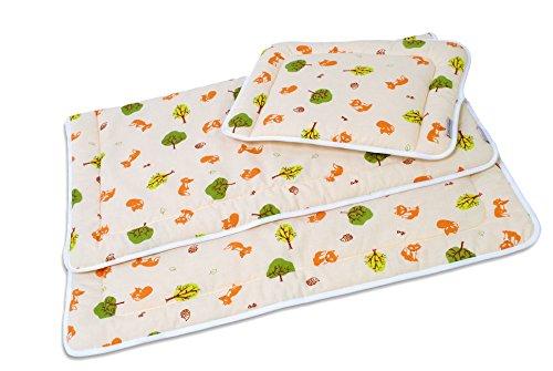 Bett-Set mit Decke und Kissen in verschiedenen Farben und Designs von HOBEA-Germany, HOBEA Muster:Waldtiere