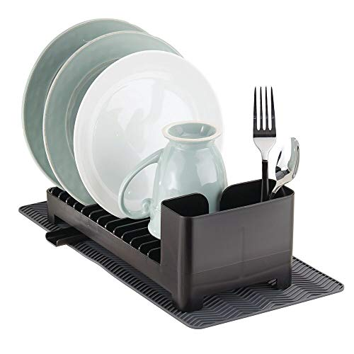 mDesign Escurridor de platos de plástico – Con cesta para cubiertos y esterilla de silicona resistente al calor – negro/gris antracita