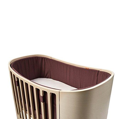 Leander Nestje voor babybed | van 100% katoen in warm paars (donkerrood), materiaal gecertificeerd volgens Oeko-Tex Standard | Originele accessoires voor babybed van Leander, past op alle vormen van bed, full-size-model, veilige bevestiging met banden