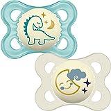 MAM - Conjunto de 2 chupetes que brillan en la oscuridad con esterilizable estuche de viaje, 0 meses, Azul (Azul/Blanco)