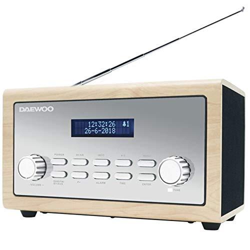 Daewoo digitale Bluetooth FM/DAB/DAB radio con ingresso AUX da 3.5mm, ora e data Display LCD, sveglia e 10W Uscita audio–Finitura legno/argento