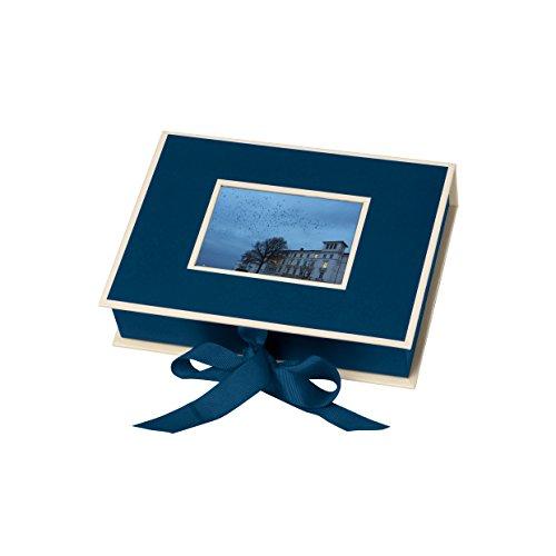 Semikolon (352510) Kleine Fotobox mit Einschubfenster marine (blau) - Aufbewahrungsbox für Bilder - Geschenk-Box für Schmuck - 20,7x15,3x4,7 cm