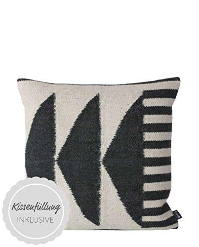 Ferm Living–Cojín Kelim–Black Triangles–Lana/algodón 50x 50cm