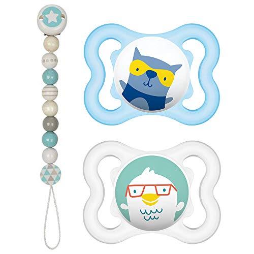 MAM Original Skin Soft Lot de 2 tétines Air mini en silicone 0-6 Boy avec 2 boîtes de transport stérilisées et 1 attache-tétine en bois Heimess bleu clair/gris