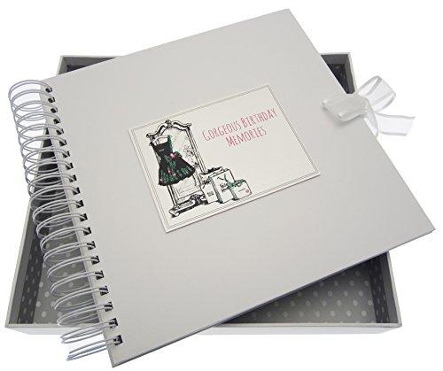 Witte katoenen kaarten verjaardagskaart en Memory Book, zwarte jurk, tassen, bord wit, 27 x 30 x 4 cm
