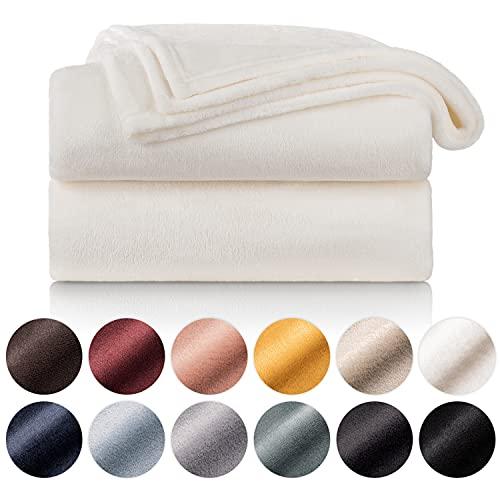 Blumtal Flauschige Kuscheldecke – hochwertige Wohndecke, super weiche Fleecedecke als Sofaüberwurf, Tagesdecke oder Wohnzimmerdecke, 130 x 150 cm, Weiss