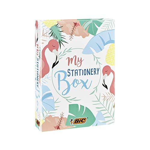 BIC My Stationery Box - 28 Schreibgeräte, 10 Marker/6 Kugelschreiber/4 Textmarker/1 Korrekturroller/5 Permanent-Marker/2 Haftzettelblöcke und ein Notizblock in DINA5 - Weiß