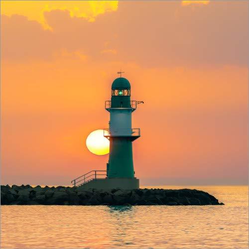 Posterlounge Acrylglasbild 30 x 30 cm: Leuchtturm Warnemünde bei Sonnenuntergang von Dirk Petersen - Wandbild, Acryl Glasbild, Druck auf Acryl Glas Bild