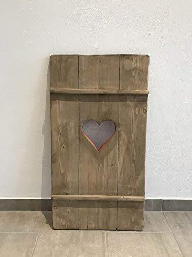 Fensterladen Almi aus Holz mit Herz in Shabby Desgin