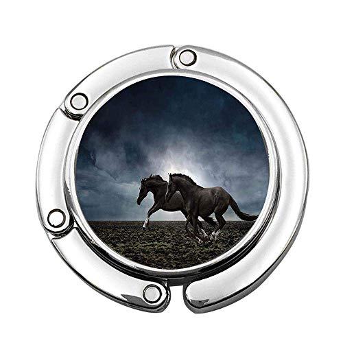 Pareja de Caballos Corriendo en el Campo arado en un Clima Oscuro tormentoso Concepto Ecuestre del Cielo Bolso de Mano Plegable Persona