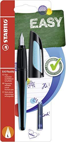 Schulfüller mit Linkshänder-Feder L - STABILO EASYbuddy in schwarz/himmelblau - Schreibfarbe blau (löschbar) - Einzelstift - inklusive Patrone