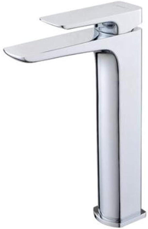Waschtischarmaturendas Badezimmer Ist Voll Mit Kupfertpfen Waschbecken Becken Waschbecken Waschbecken Armaturen Waschbecken Warmen Und Kalten Wasserhhnen.