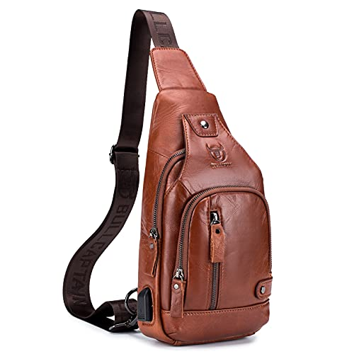 Qremenn Bolso de eslinga de cuero genuino, con bolsa de cargador de carga USB para hombres, diseño de múltiples bolsillos, buen ayudante al salir, buen regalo (Brown)