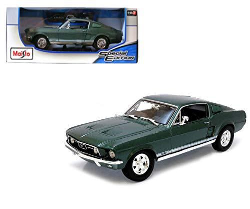 Maisto Ford Mustang GTA Fliessheck ´67: Modellauto mit Federung, Maßstab 1:18, Türen und Motorhaube beweglich, Fertigmodell, lenkbar, 24 cm, grün (531166)