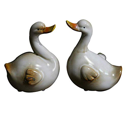 ZLININ Y-longhair Cute Animal Ceramic Figurines Couple Goose Statues Ornaments Handmade Decorative Crafts Home Furnishing Decoration Animal Gifts