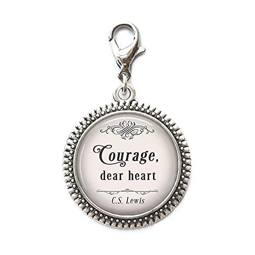 Courage, Dear Heart, C.S. Lewis Cita con cremallera de Narnia, joyería inspiradora cita literaria, cita motivacional con cremallera, N332