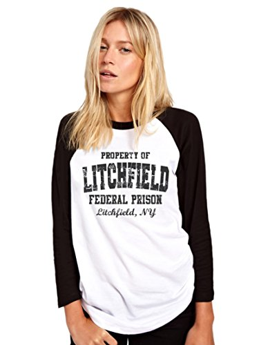 Baseball-T-Shirt für Damen und Mädchen, langärmelig, schwarz und weiß, Aufdruck: Property of Litchfield Federal Prison (aus der Serie: Orange is the New Black) Gr. Small, weiß