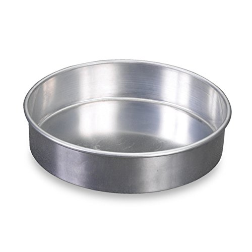 Nordic Ware Natural Aluminum Commercial Round Layer Cake Pan Baking Essentials, 9', Silver