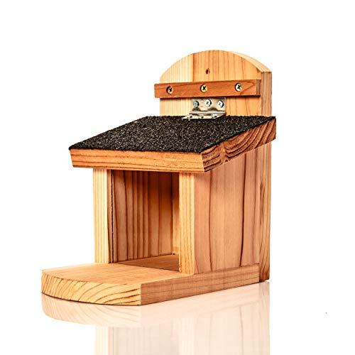 Skojig© wetterfeste Eichhörnchen Futterstelle | Futterhaus aus robusten Naturholz - Futterstation zum aufhängen im Garten - Eichhörnchenfutterhaus Eichhörnchen-Haus