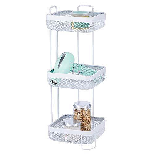 mDesign praktisches Badregal schmal – kleine Badablage mit 3 Körben fürs Badezimmer – elegantes Badezimmer Regal aus rostbeständigem Metall für Shampoo, Seife oder Handtücher – weiß