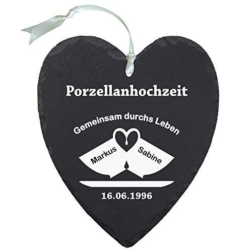"""Geschenke 24 Schieferherz """"Porzellanhochzeit"""" (Zwei Tassen) - mit Tassenmotiv - individuelles Schiefer Herz mit Namen Versehen - Geschenk für Ehepaare zu 20. Ehejubiläum"""