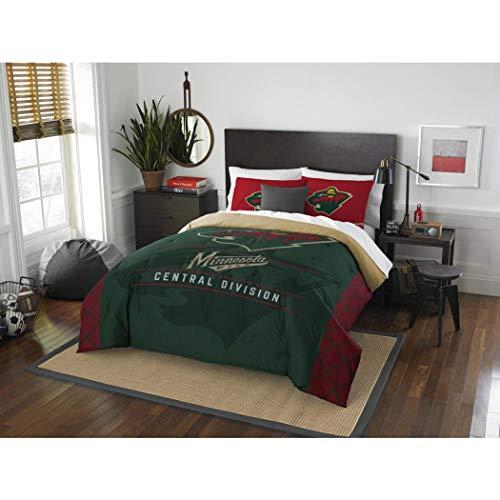 B62830000 570B6783000001 EN 3 Piece Hockey League Wild Comforter Full Queen Set, Sports Patterned Bedding, Team Logo Fan Merchandise Athletic Team Spirit, Green Red, Polyester Unisex