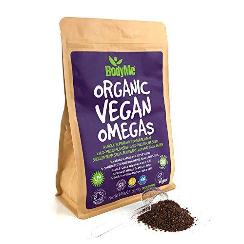 BodyMe Biologico Vegan Omegas Polvere | 810g | Miscela Di Vegan Omega 3 6 9 | Con Semi Di Lino Macinati Semi Di Chia Macinati Semi Di Canapa Mirtillo Cocco Bacche Di Acai