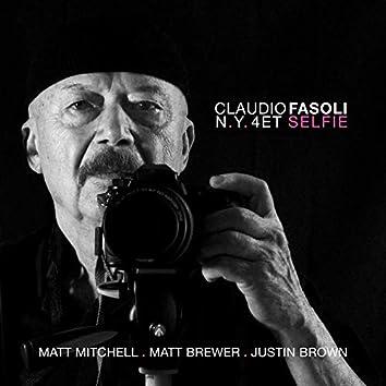 Selfie (feat. Matt Mitchell, Matt Brewer, Justin Brown)